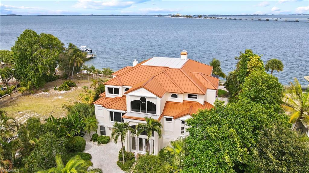 1020 Bayview Drive Property Photo - SANIBEL, FL real estate listing