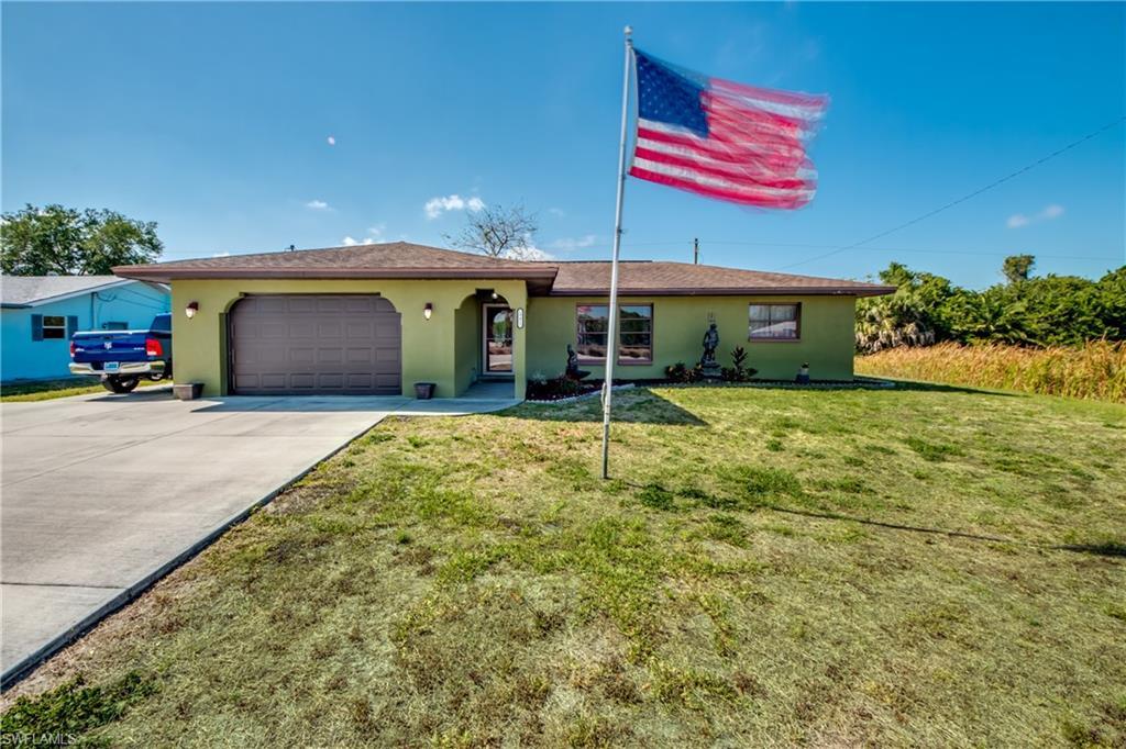 19415 Edgewater Drive Property Photo - PORT CHARLOTTE, FL real estate listing