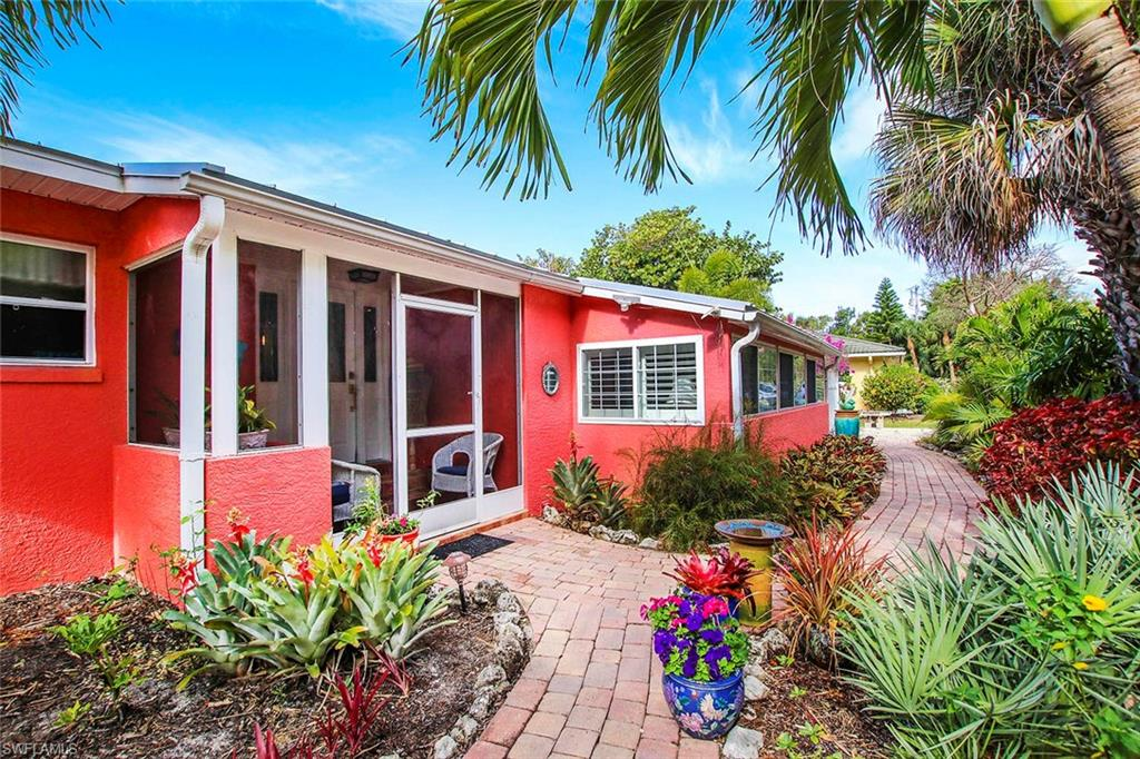 5859 Pine Tree Drive Property Photo - SANIBEL, FL real estate listing