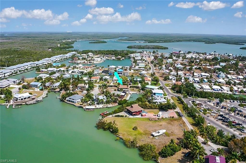 670 Palm Avenue W Property Photo - GOODLAND, FL real estate listing