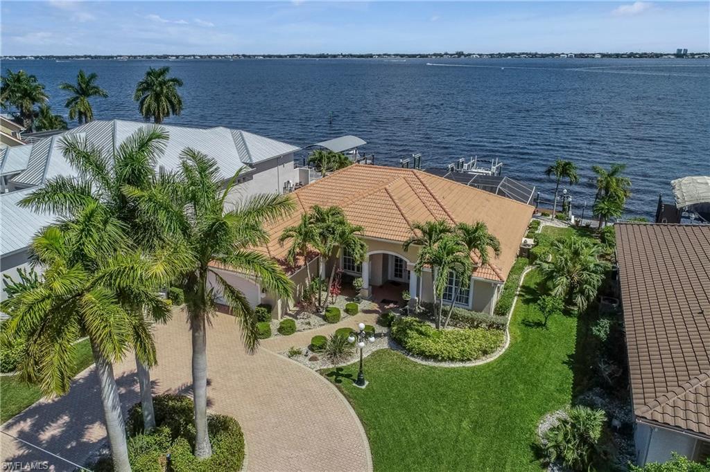 3821 SE 21st Place Property Photo - CAPE CORAL, FL real estate listing