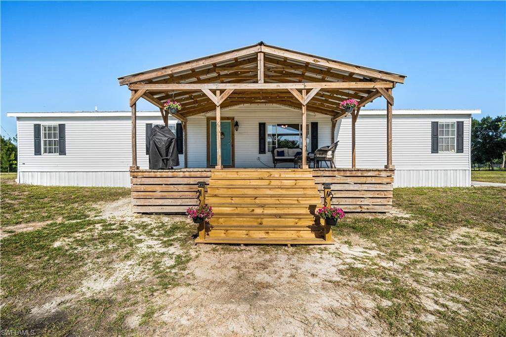 2401 Wendy Road Property Photo - FORT DENAUD, FL real estate listing
