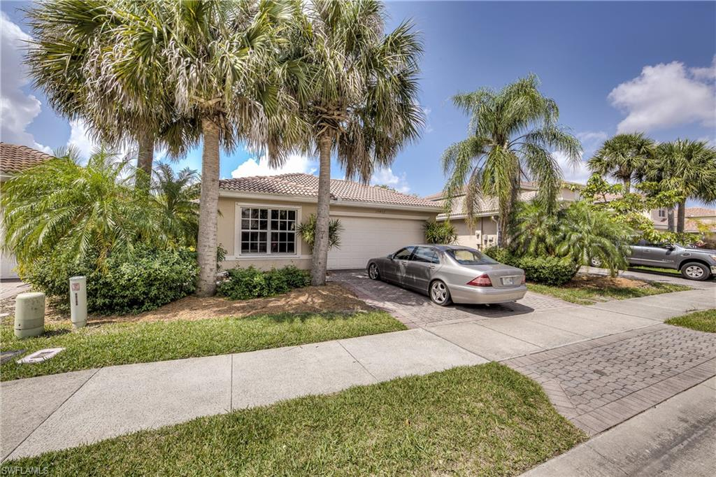 10402 Carolina Willow Drive Property Photo - FORT MYERS, FL real estate listing
