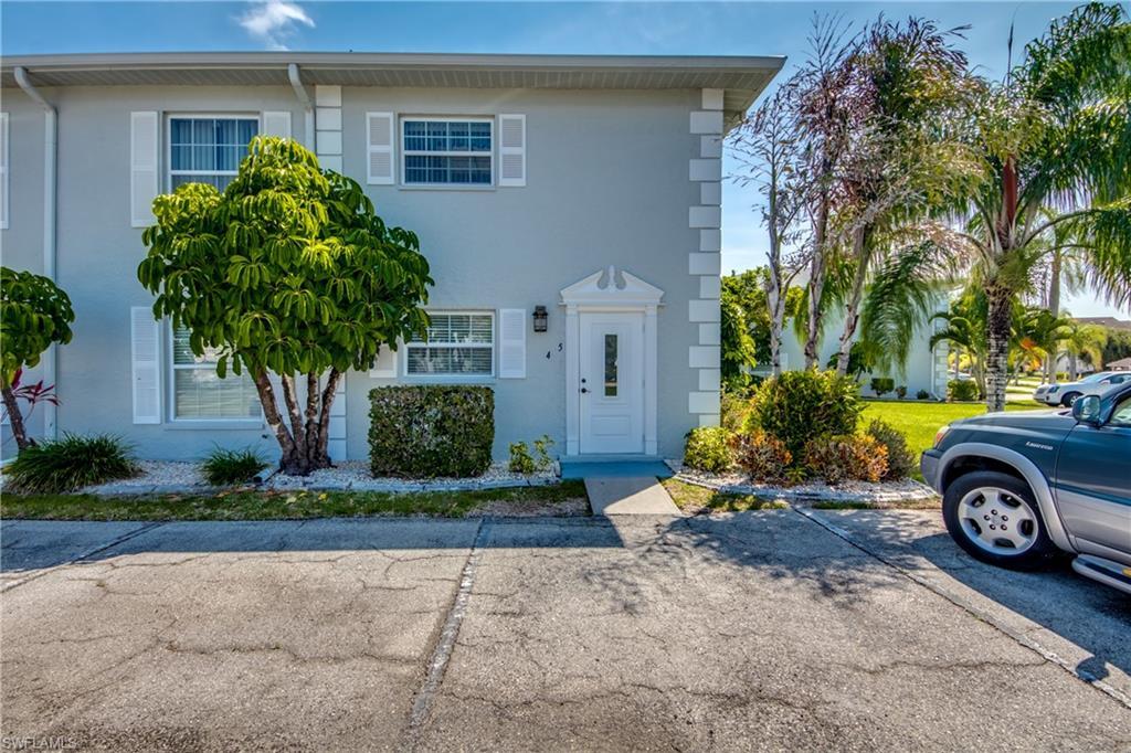 Foxmoor Condo Real Estate Listings Main Image