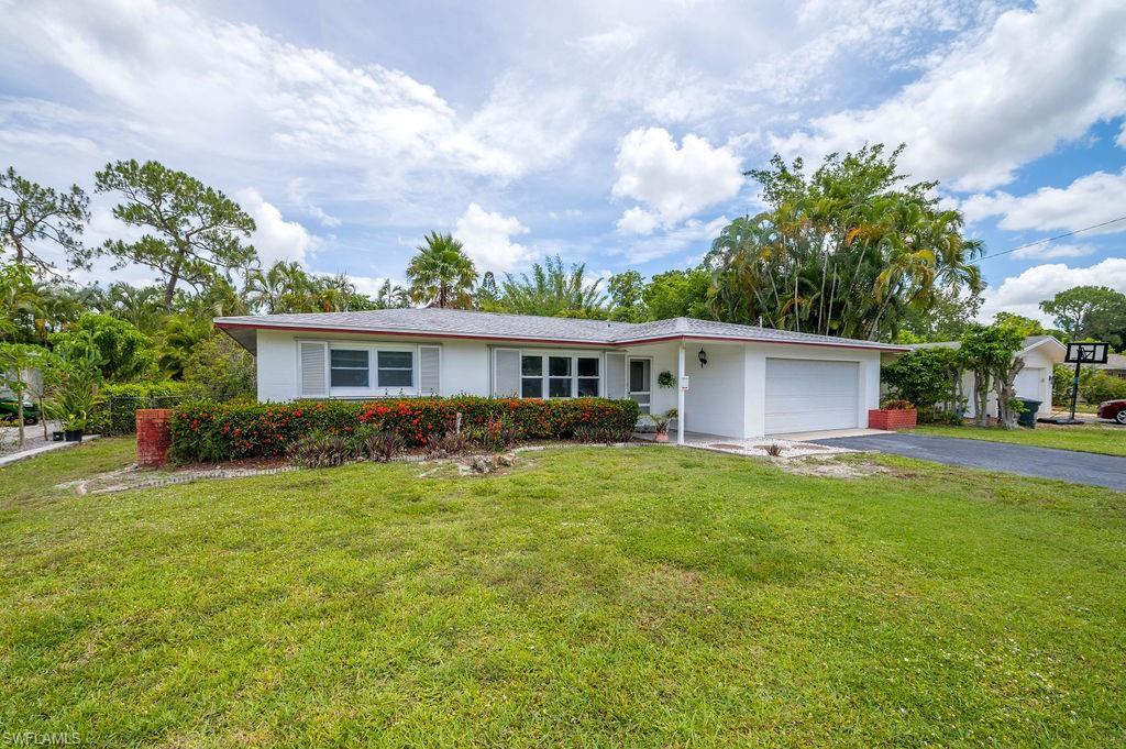 2337 Woodland Boulevard Property Photo 2