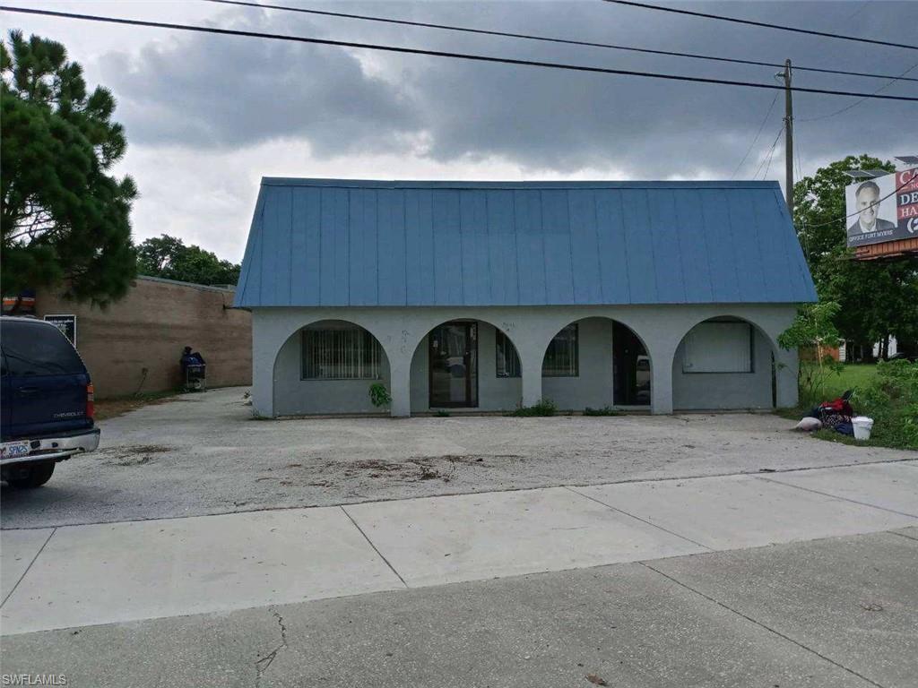 4845 Palm Beach Boulevard Property Photo