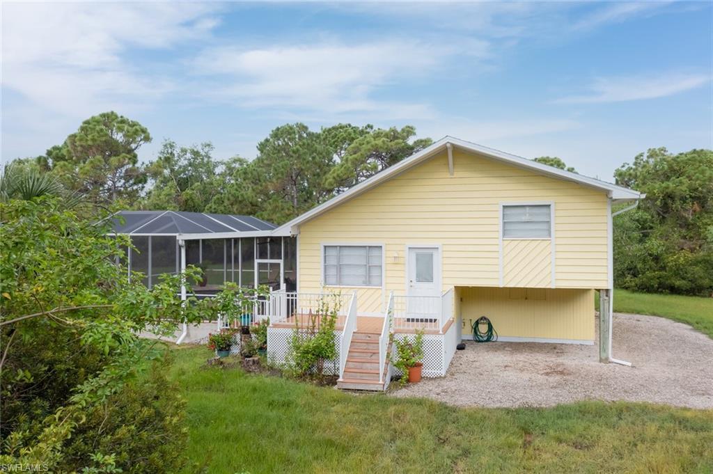 33956 Real Estate Listings Main Image