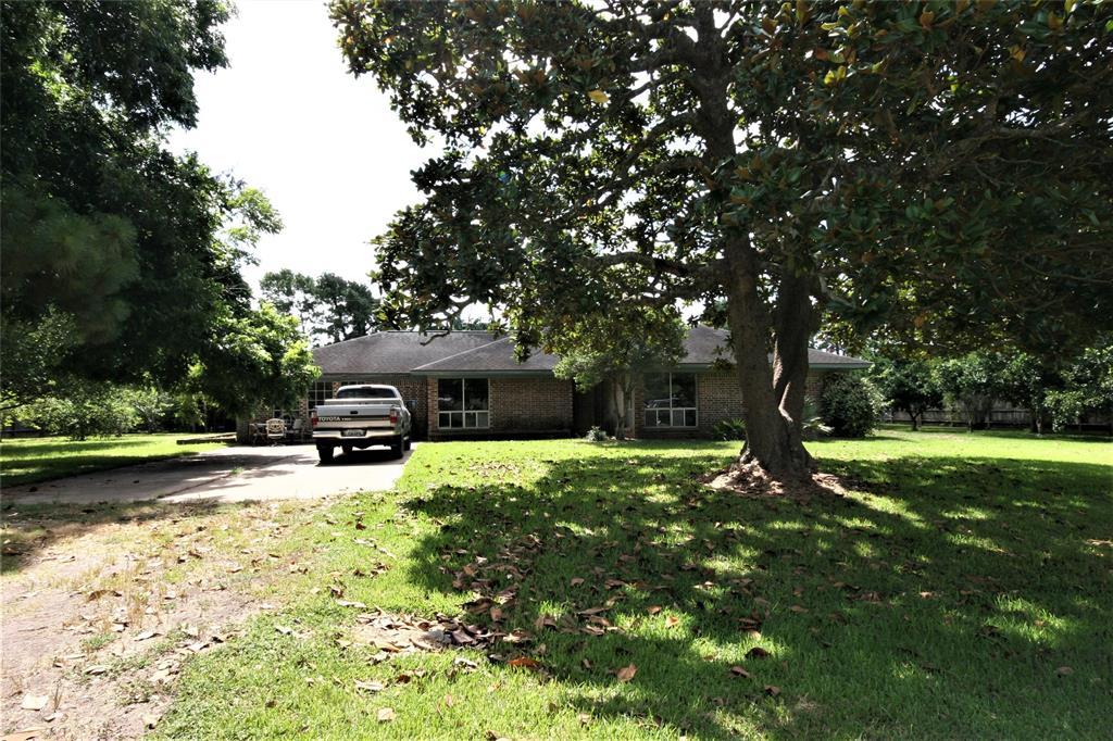 110 Warsaw Way Property Photo - Jones Creek, TX real estate listing