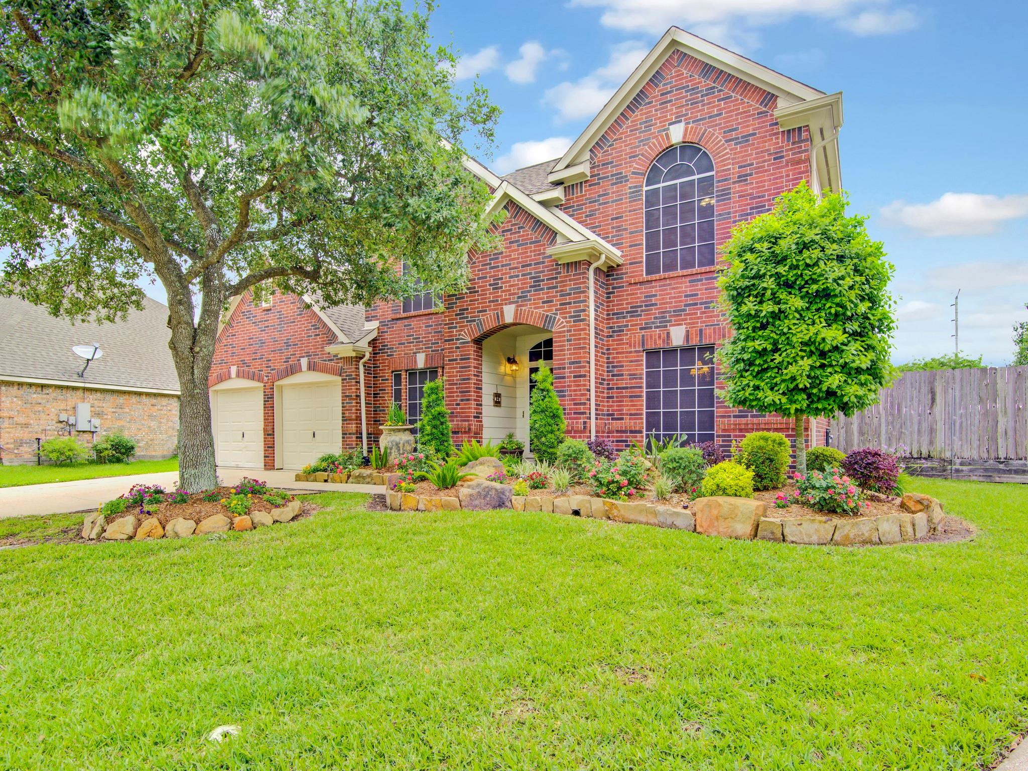 1917 S Carlsbad Lane Property Photo - Deer Park, TX real estate listing