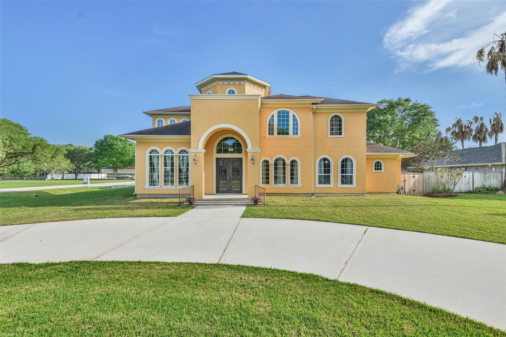 17103 Crooked Oak Drive Property Photo 1