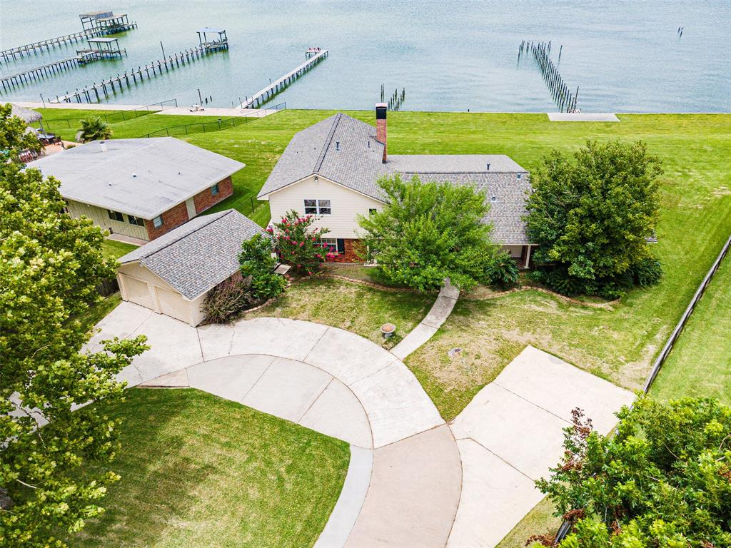5043 W Bayshore Drive Property Photo - Bacliff, TX real estate listing