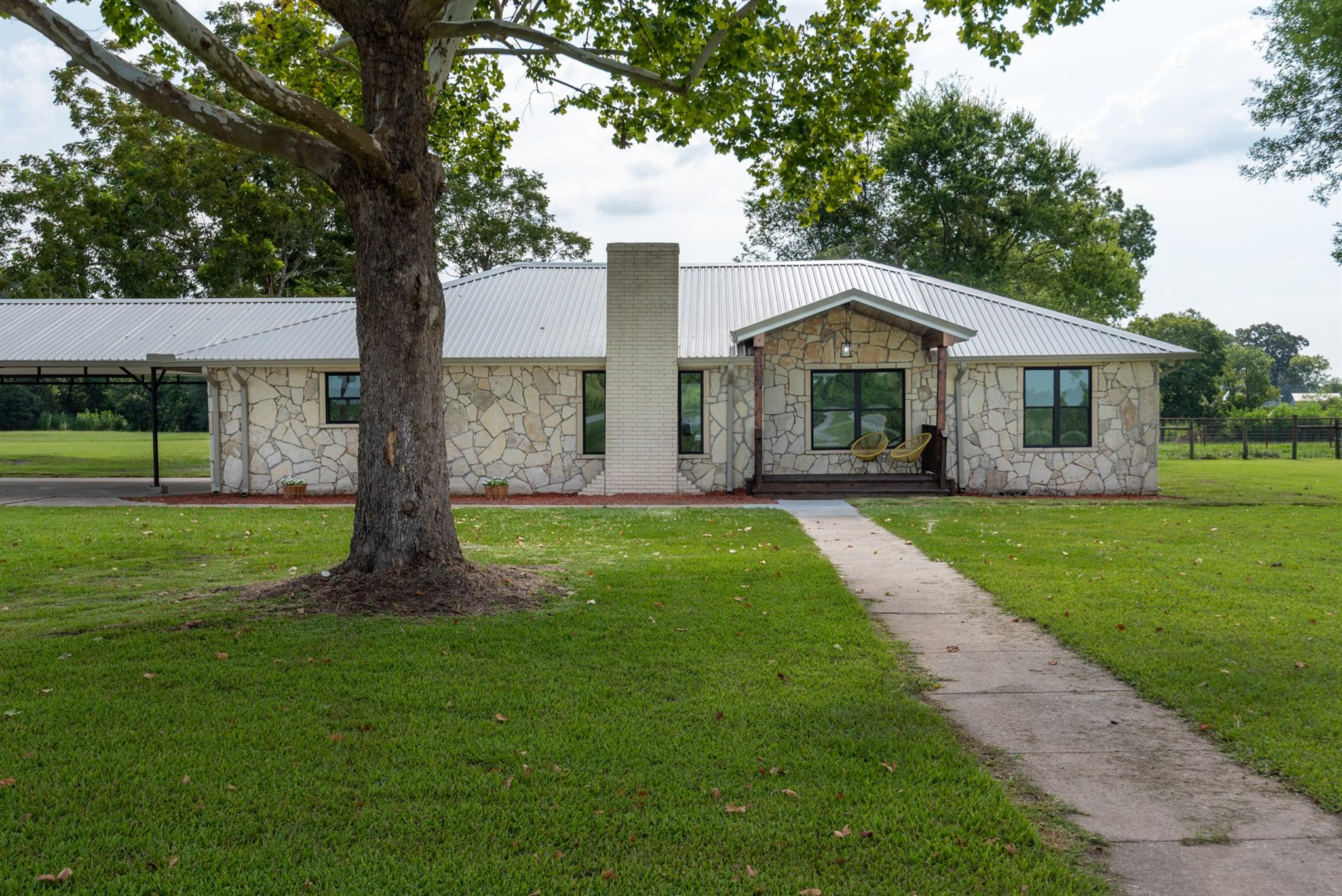 8900 Highway 146 N Property Photo - Hardin, TX real estate listing