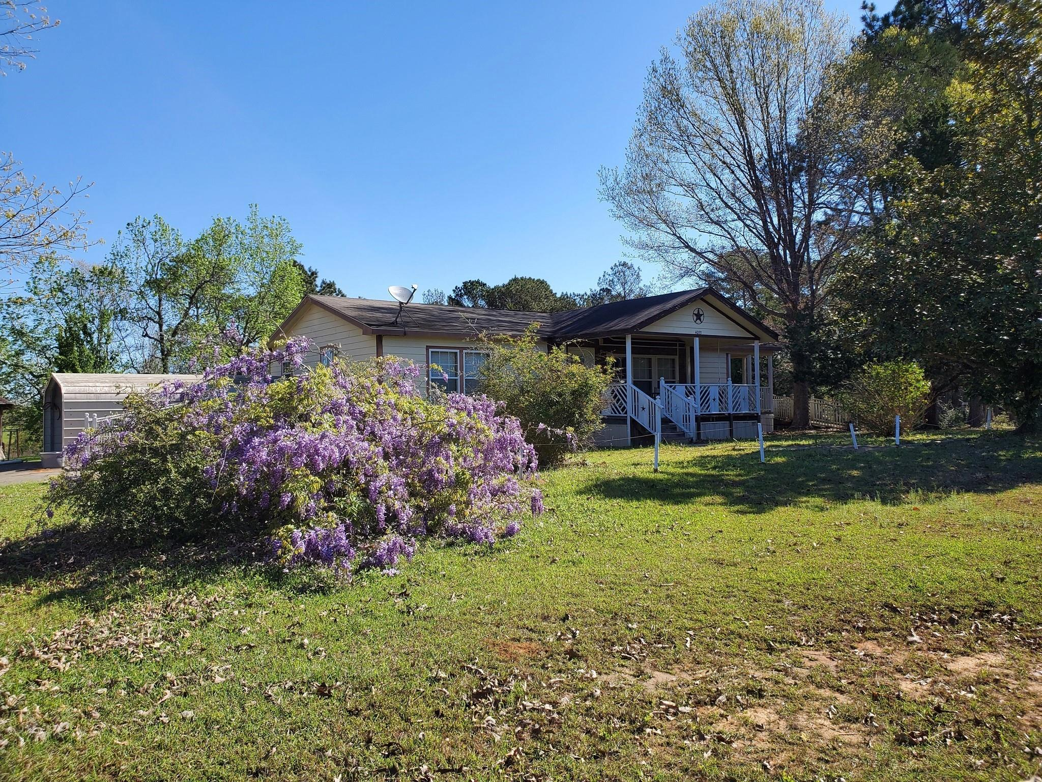 4033 Fm 256 E Property Photo - Colmesneil, TX real estate listing