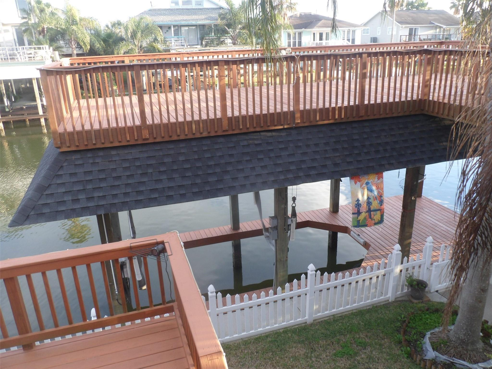 1236 Sailfish Street Property Photo - Bayou Vista, TX real estate listing