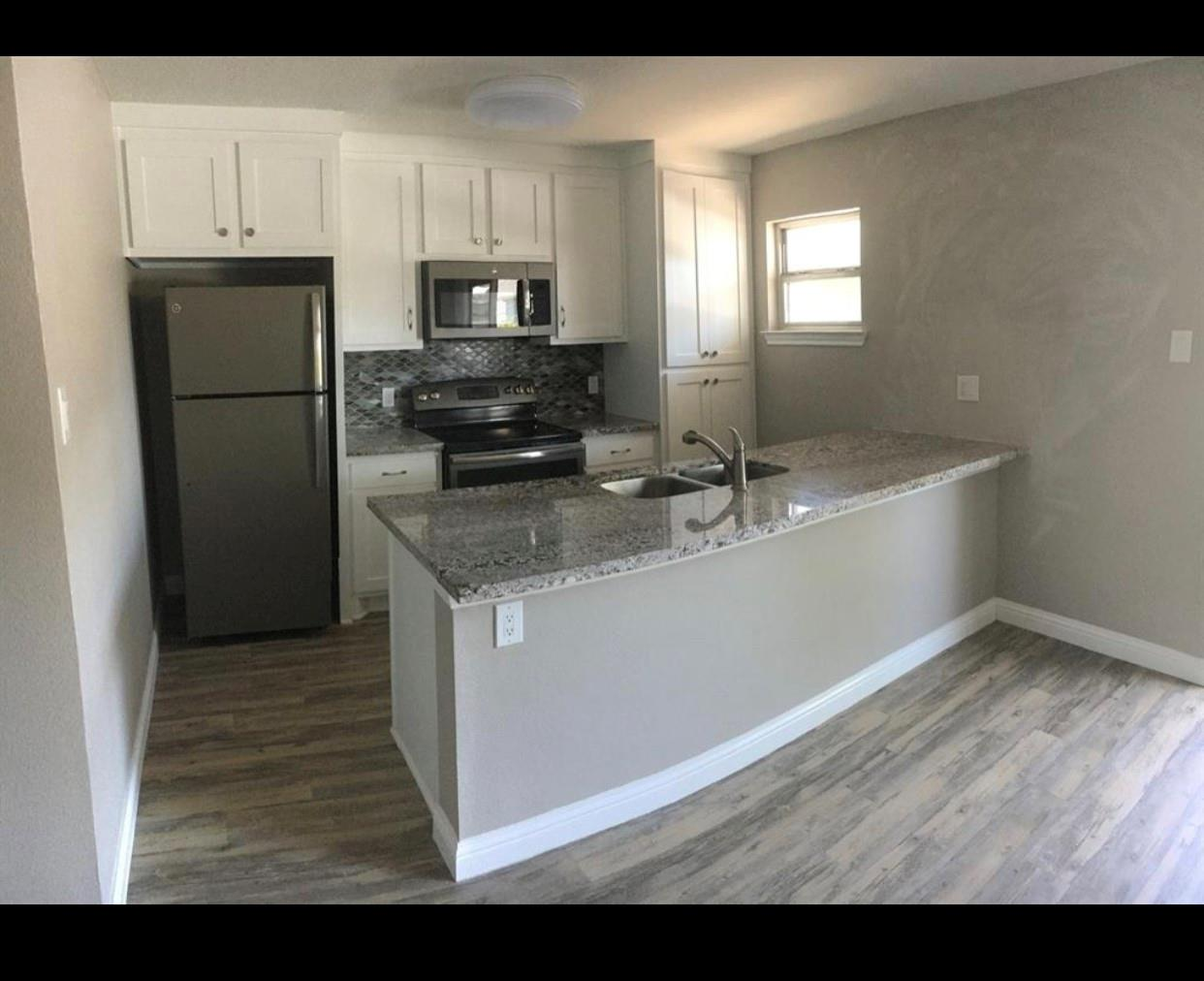 4711 Aftonshire Drive #B8 Property Photo - Houston, TX real estate listing