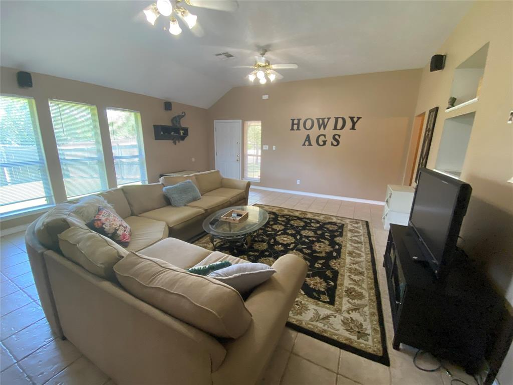 2409 Colgate Circle Property Photo - College Station, TX real estate listing