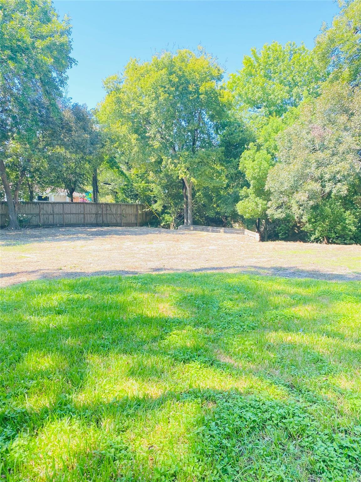 9702 Kit Street Property Photo