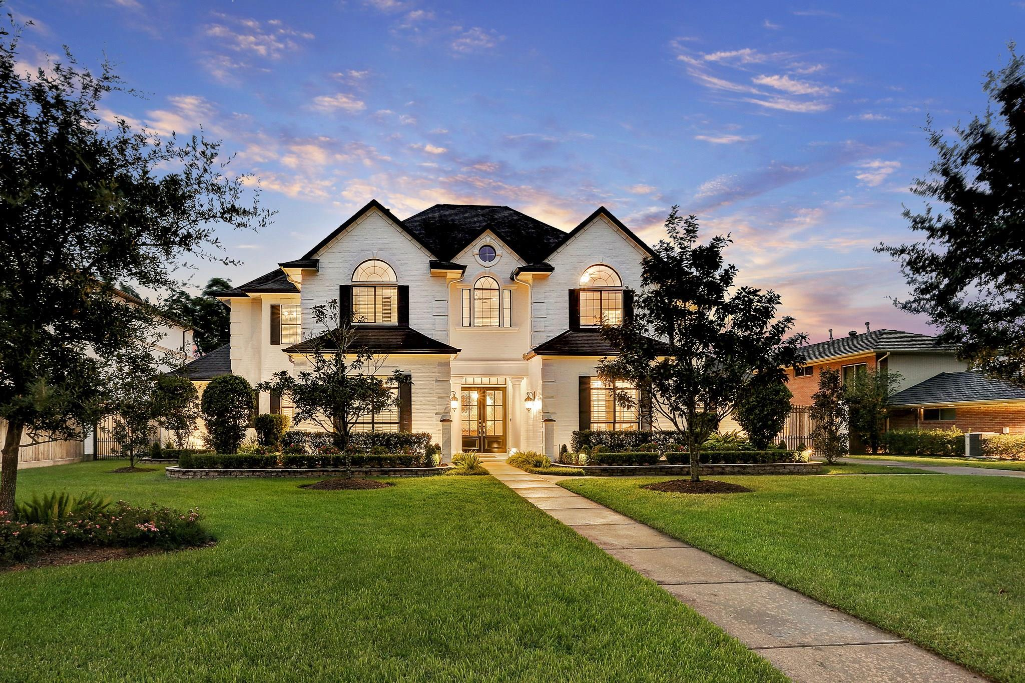 5221 Pine Street Property Photo