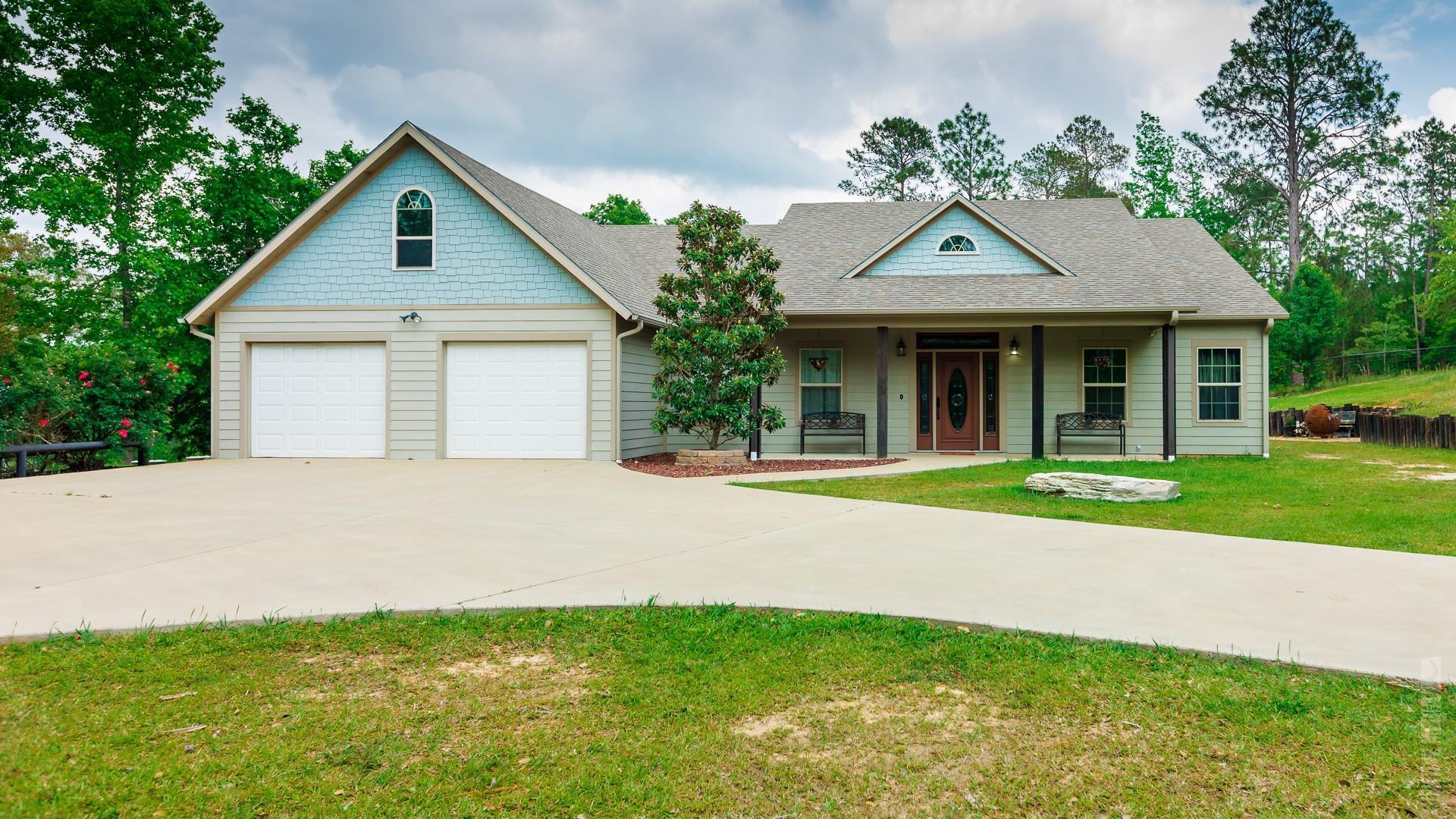 125 Middlecoff Drive E Property Photo - Brookeland, TX real estate listing