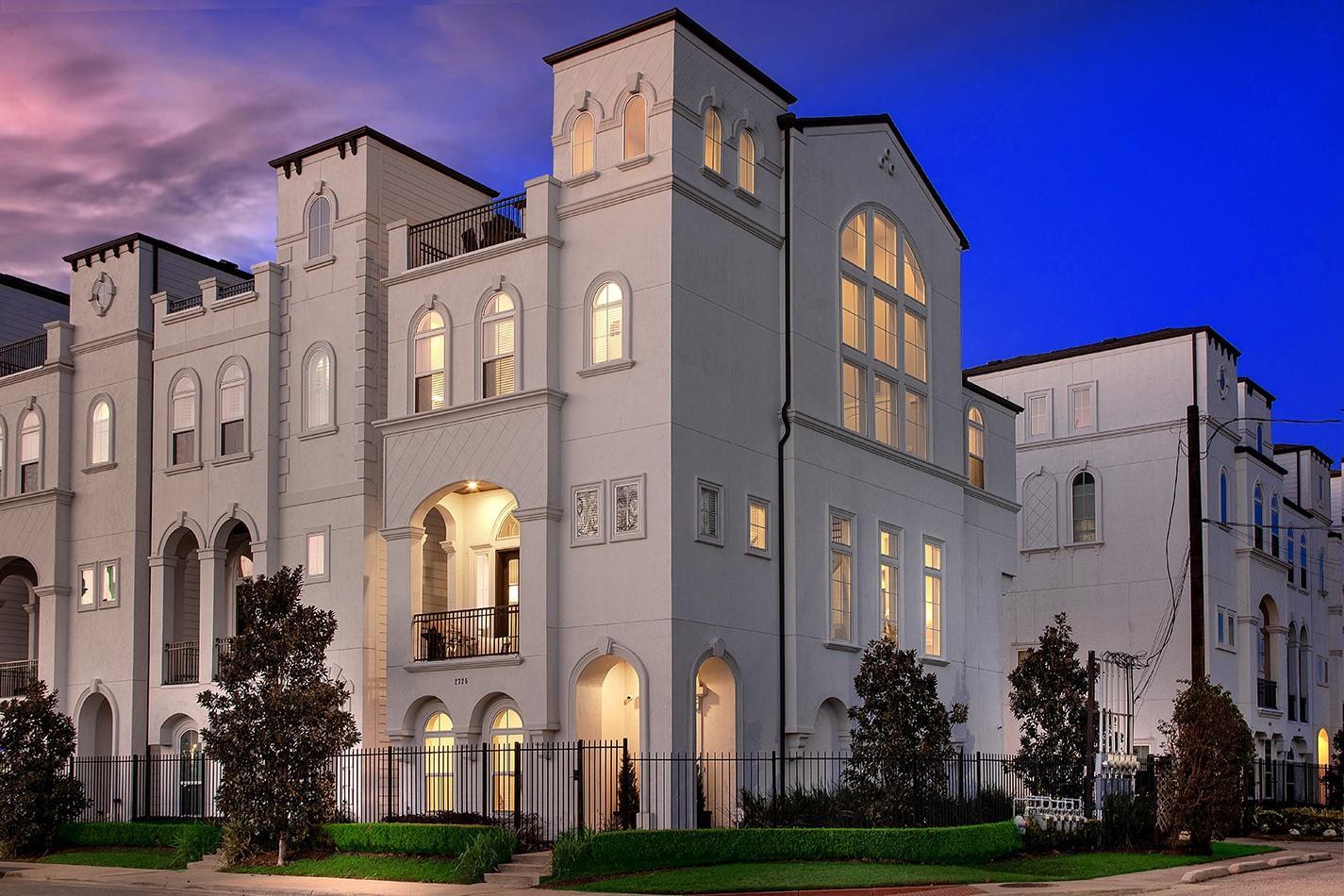 2725 Kennedy Street Property Photo - Houston, TX real estate listing
