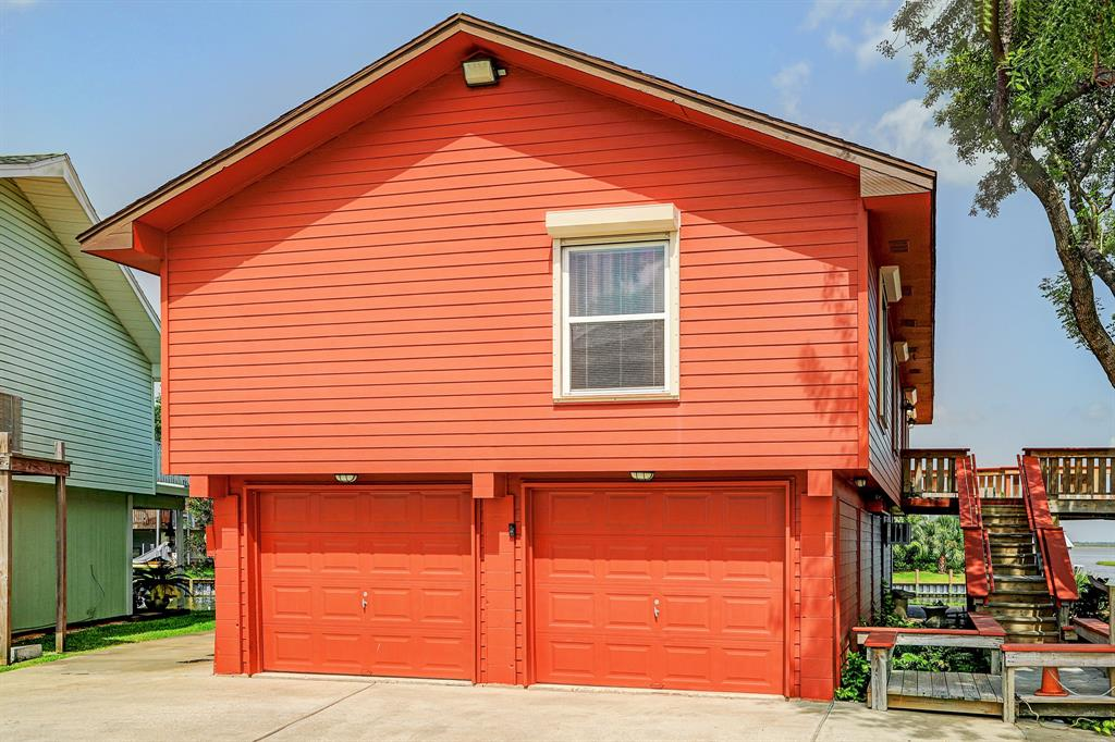 11 S Flamingo St Street Property Photo - La Marque, TX real estate listing
