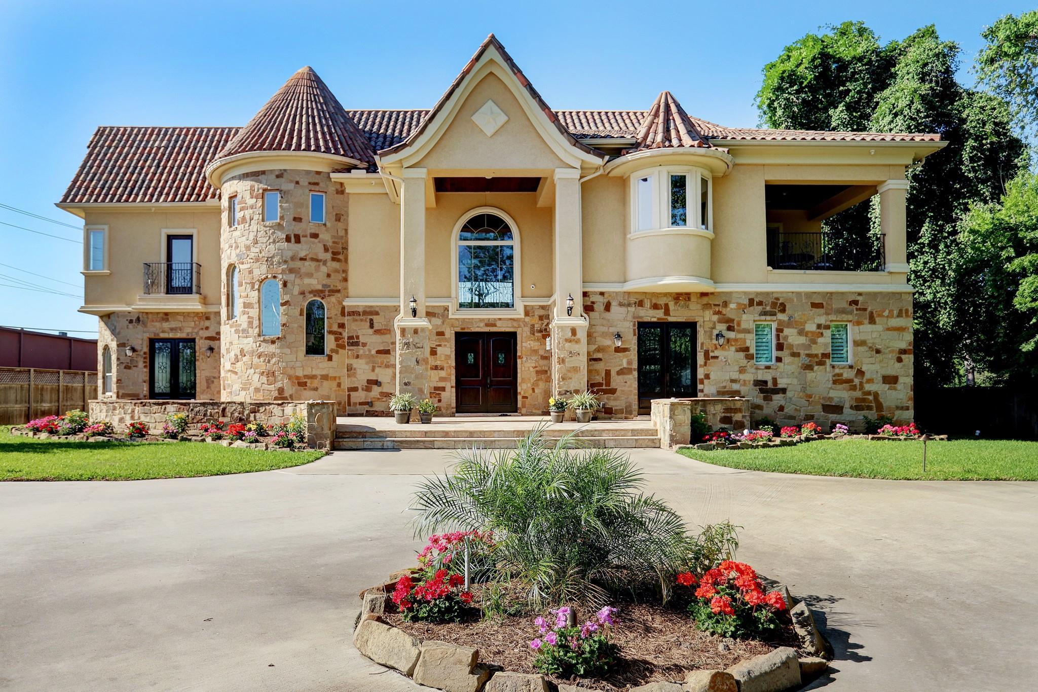 77055 Real Estate Listings Main Image