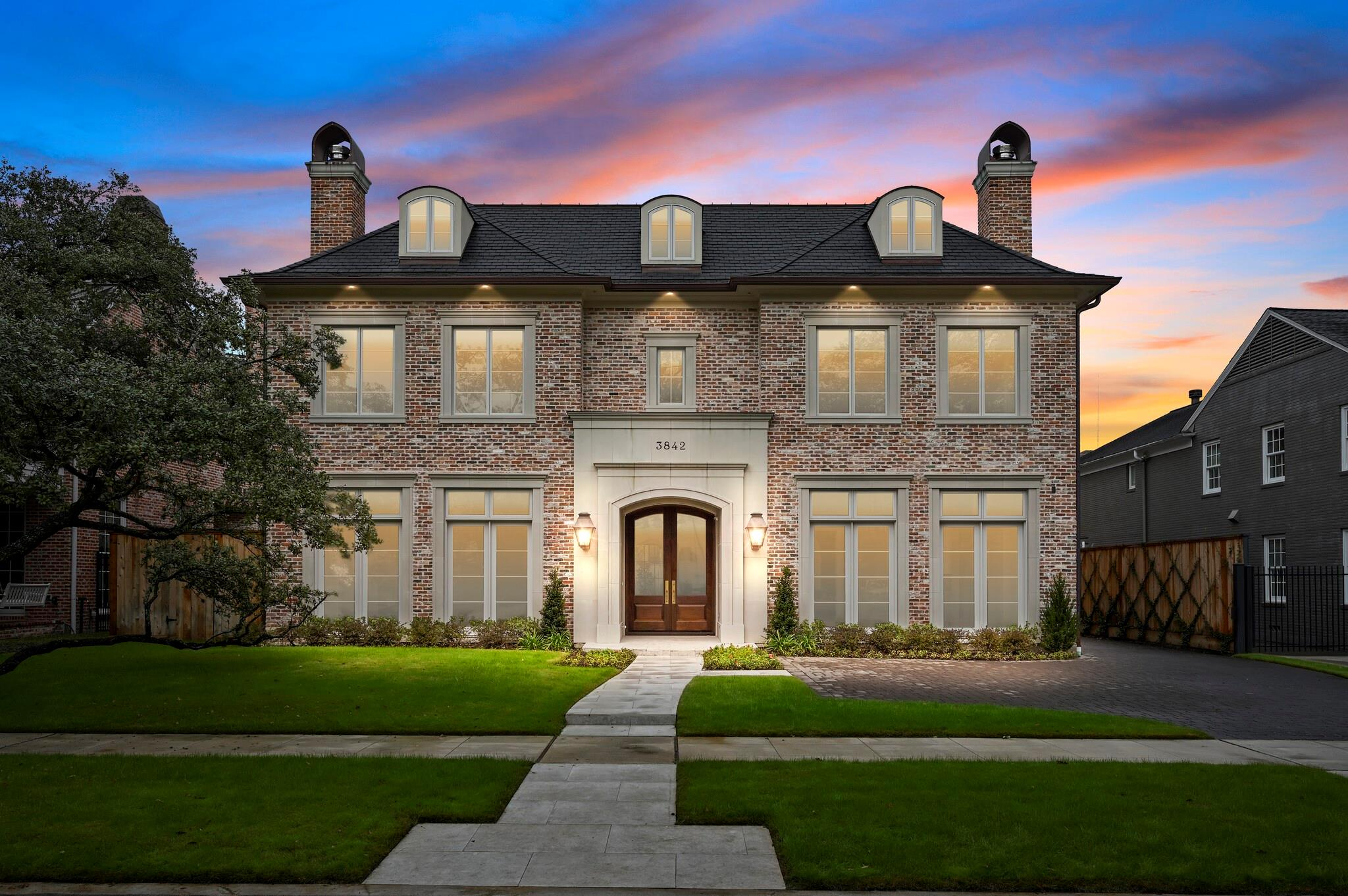 3842 Chevy Chase Drive Property Photo - Houston, TX real estate listing
