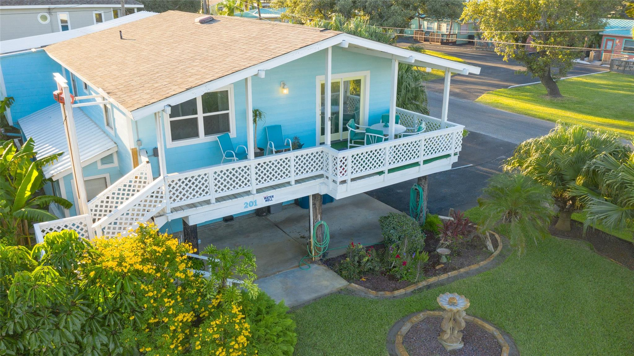201 S 2nd Street Property Photo - Rockport, TX real estate listing