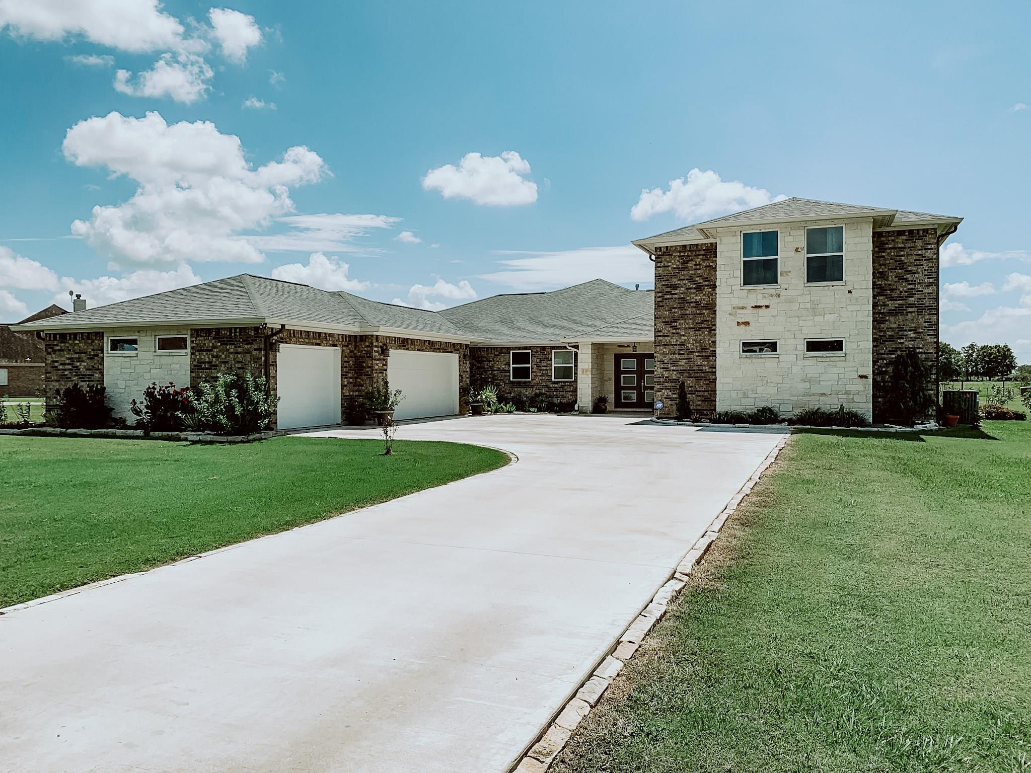 153 County Road 397 Property Photo - Bay City, TX real estate listing