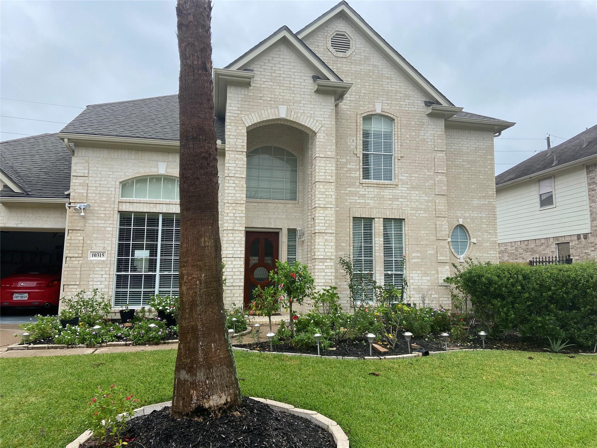 10315 Sand Dollar Drive Property Photo - Houston, TX real estate listing