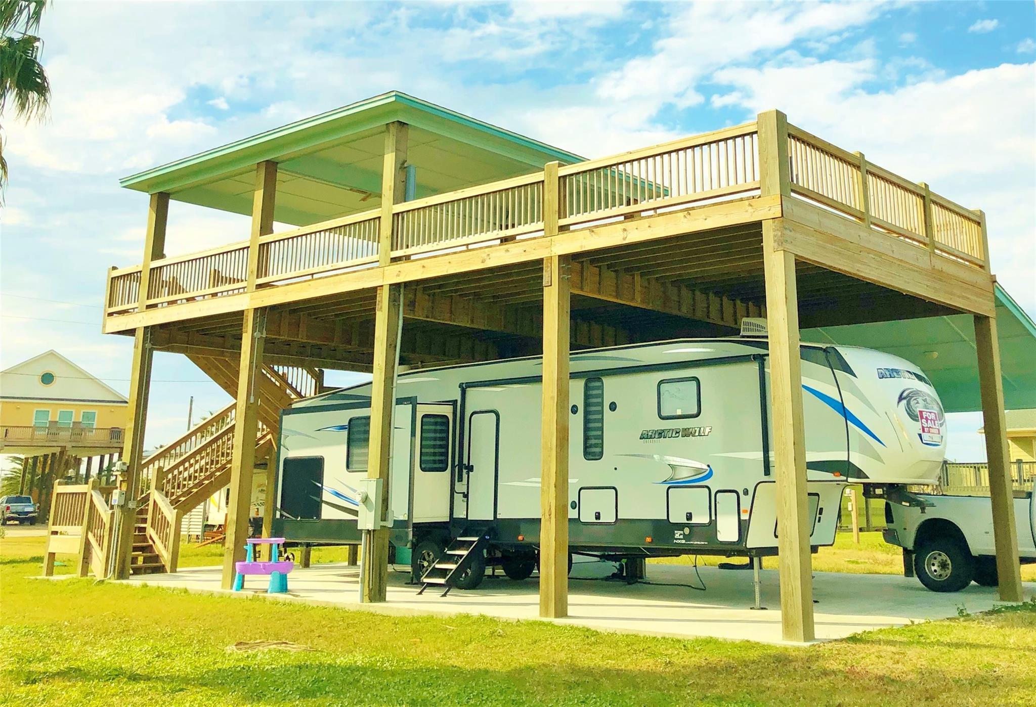 953 Meynig Drive Property Photo - Bolivar Peninsula, TX real estate listing