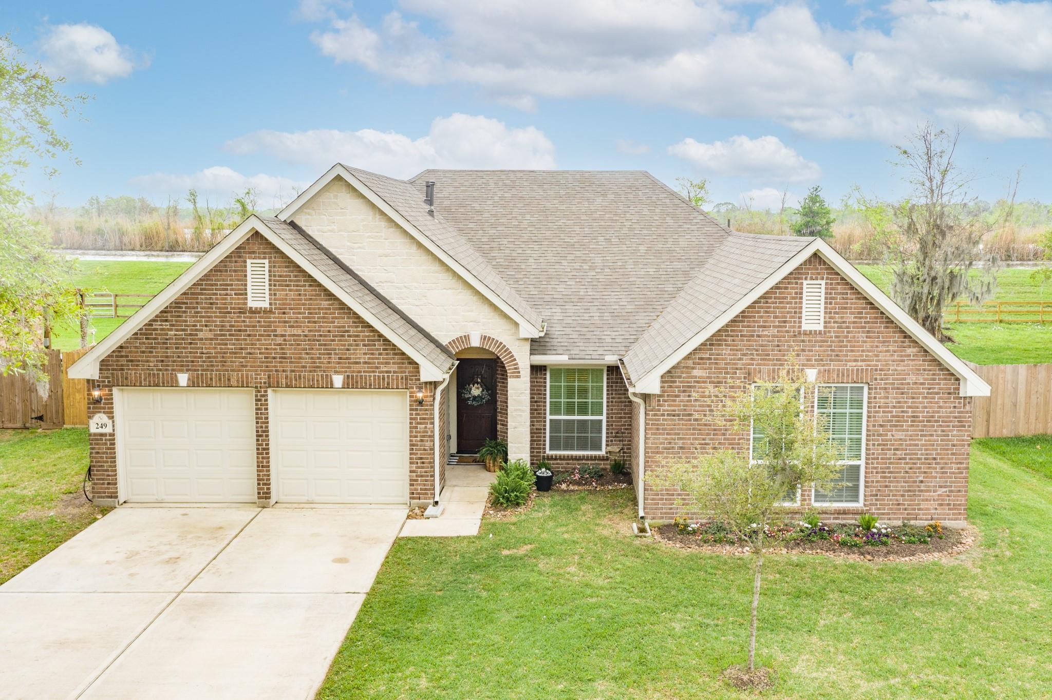 249 Twin Lakes Boulevard W Property Photo