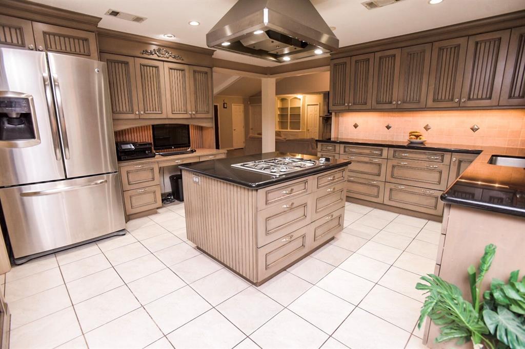 202 Cedar Lane, El Lago, TX 77586 - El Lago, TX real estate listing