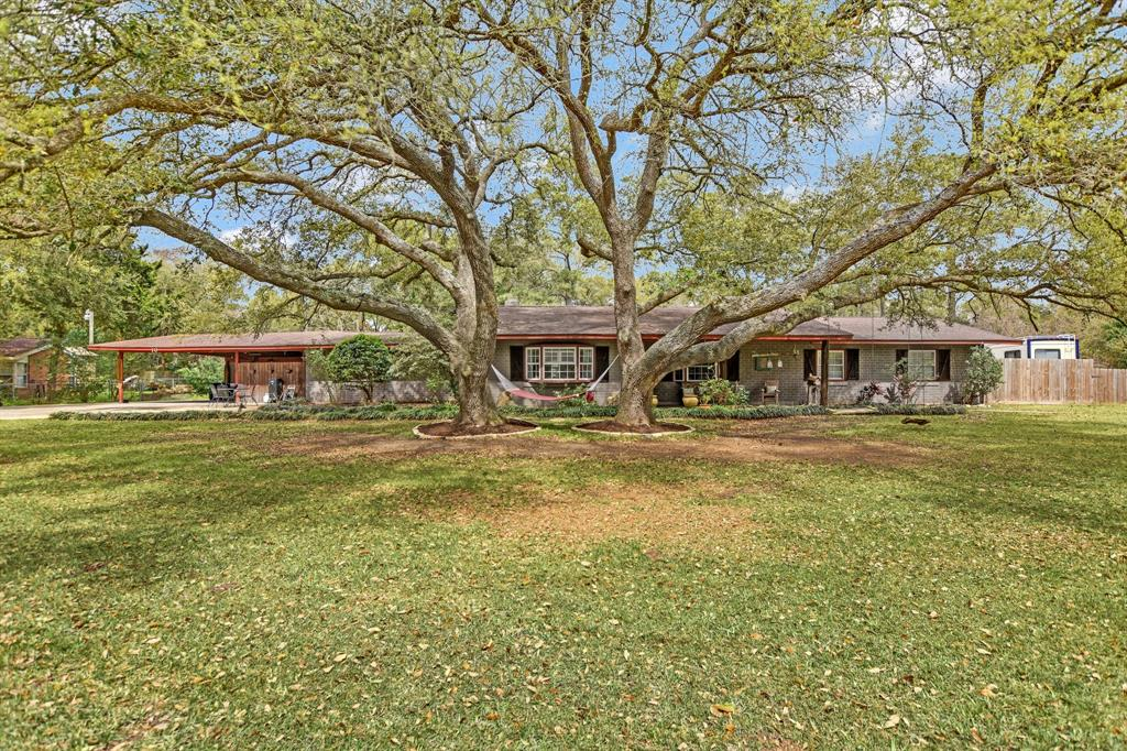 10 Perthuis Farms Road, La Marque, TX 77568 - La Marque, TX real estate listing