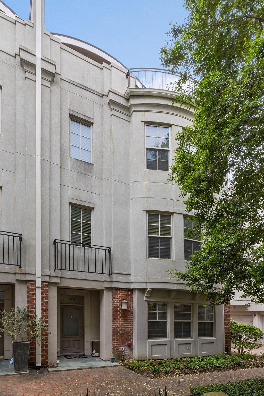 5309 Crawford Street Property Photo 1