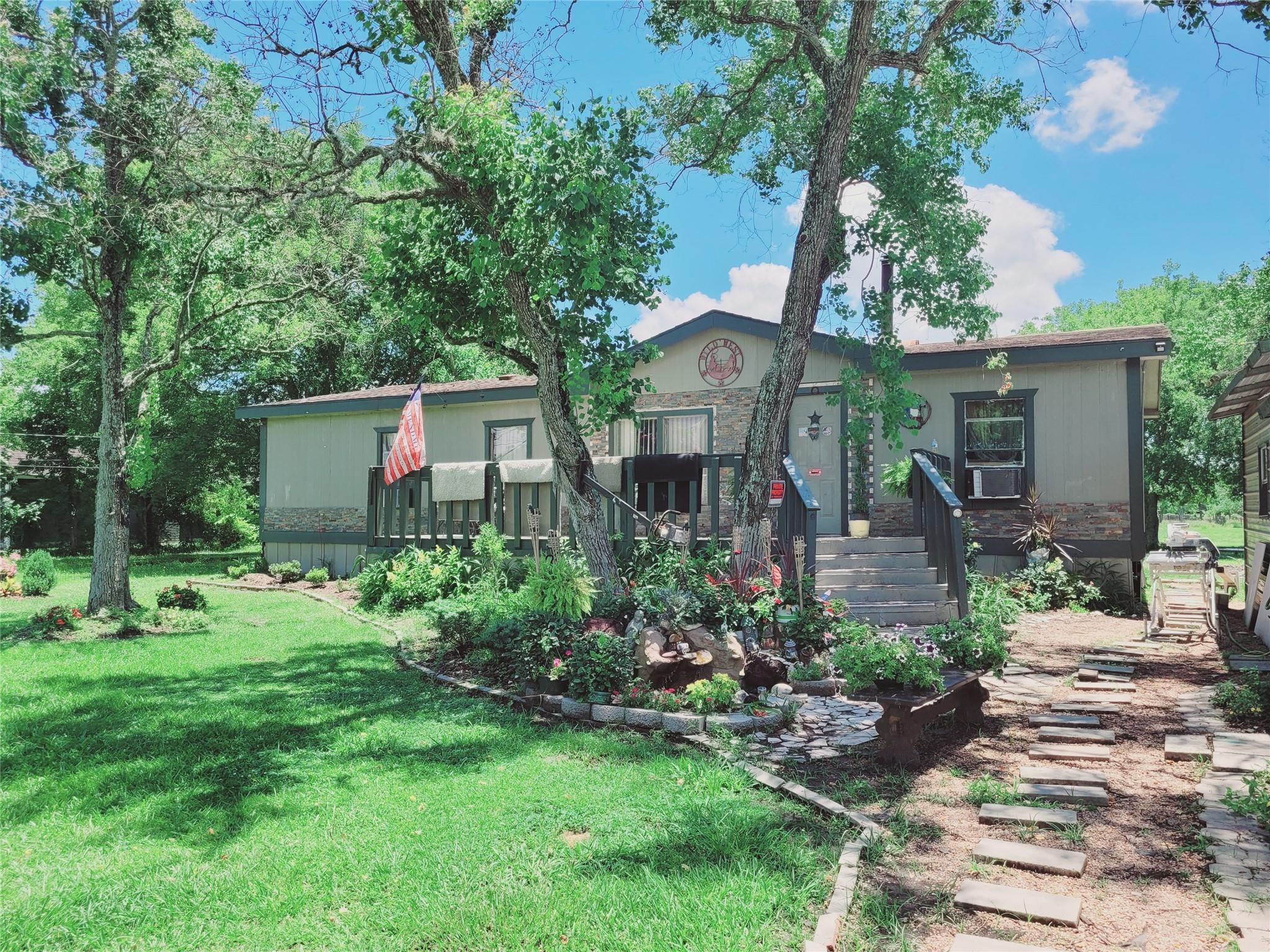 2114 E Wallisville Road #513048 Property Photo