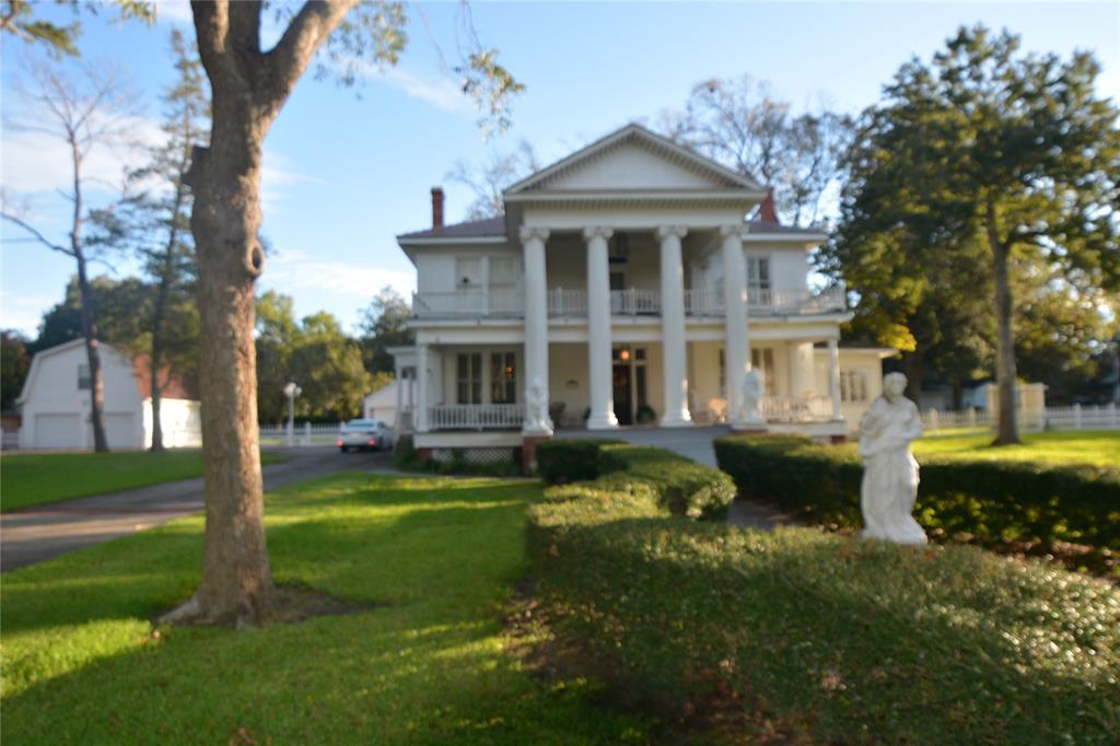 110 Stockbridge Property Photo - Eagle Lake, TX real estate listing