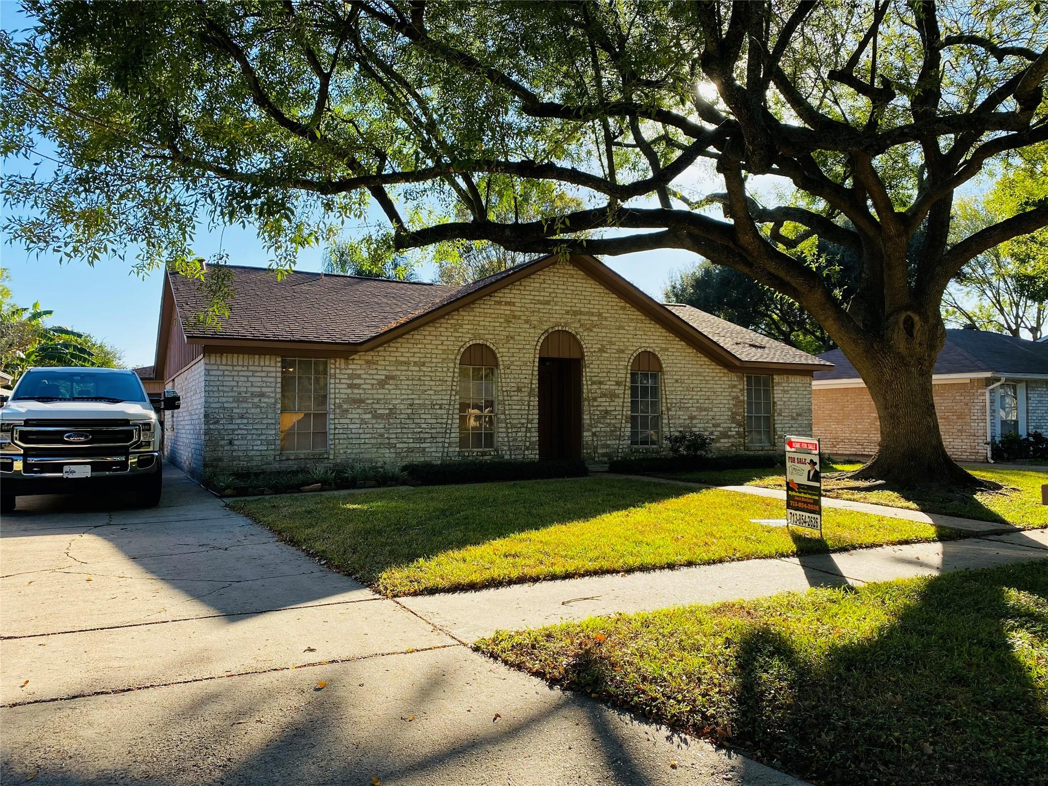 11427 Green Glade Drive Property Photo - Houston, TX real estate listing