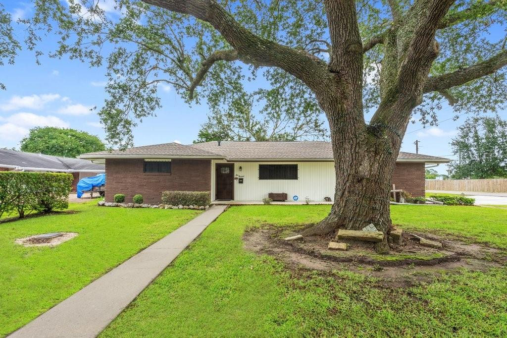 4000 Lexington Avenue Property Photo