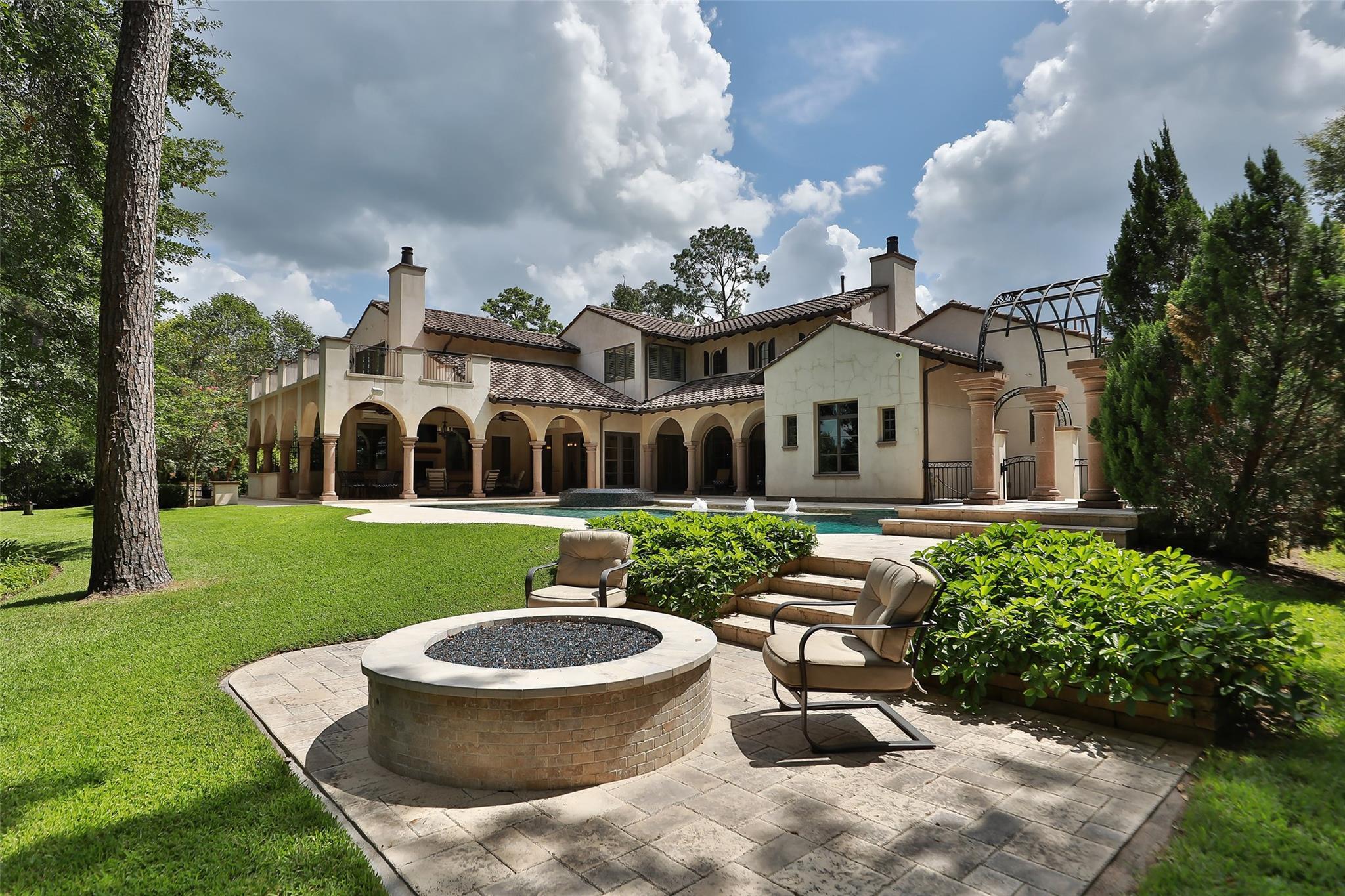 7 Thornblade Circle Property Photo - Spring, TX real estate listing
