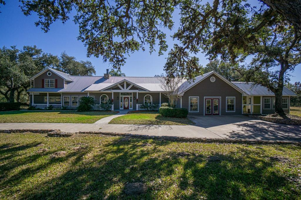 2955 Fannin Oaks Drive Property Photo - Victoria, TX real estate listing