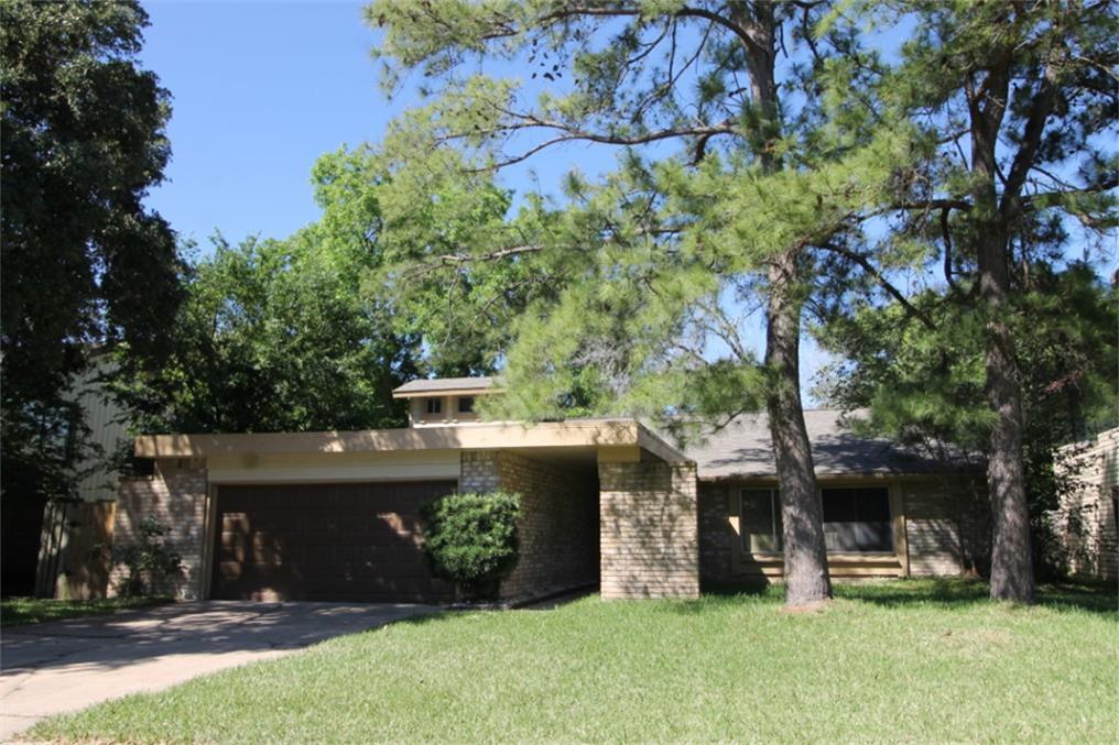 12734 Tennis Drive Property Photo - Houston, TX real estate listing