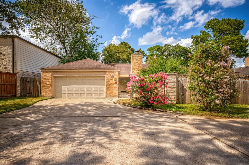 1125 AFTON, Houston, TX 77055 - Houston, TX real estate listing
