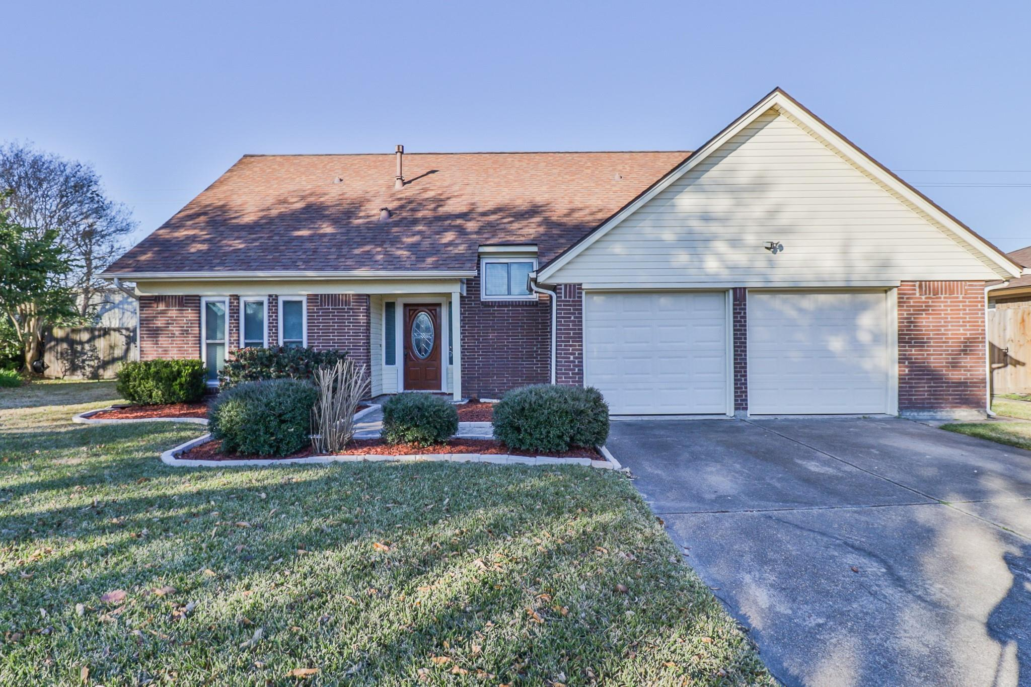 3906 Thistledown Drive Property Photo - Pasadena, TX real estate listing