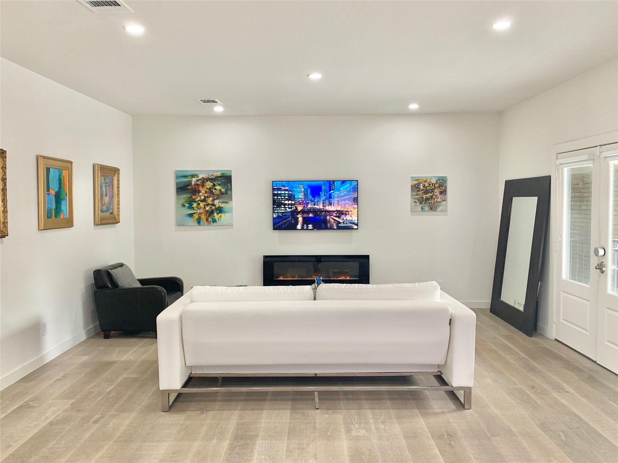 5530.1 Real Estate Listings Main Image