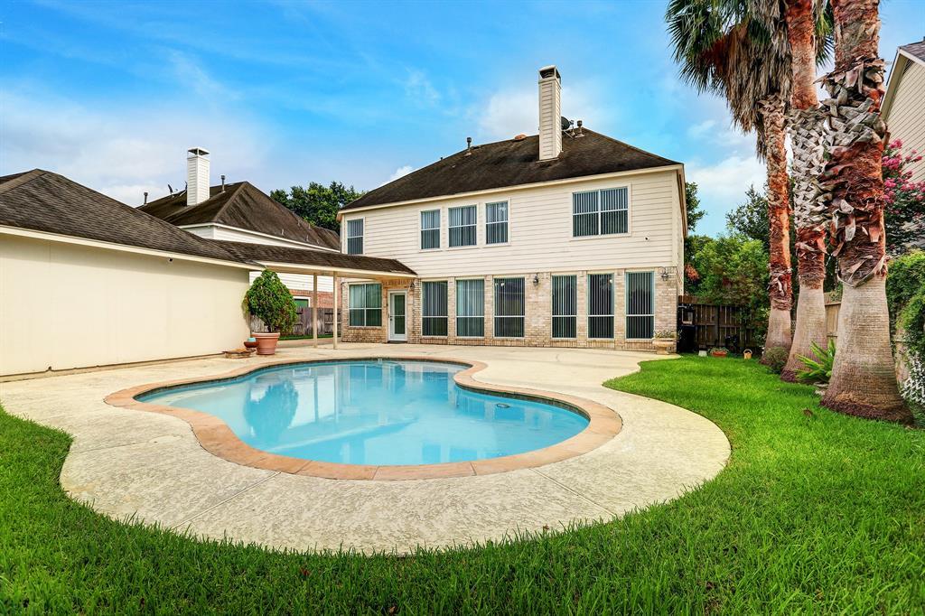 12306 N Shadow Cove Drive Property Photo - Houston, TX real estate listing