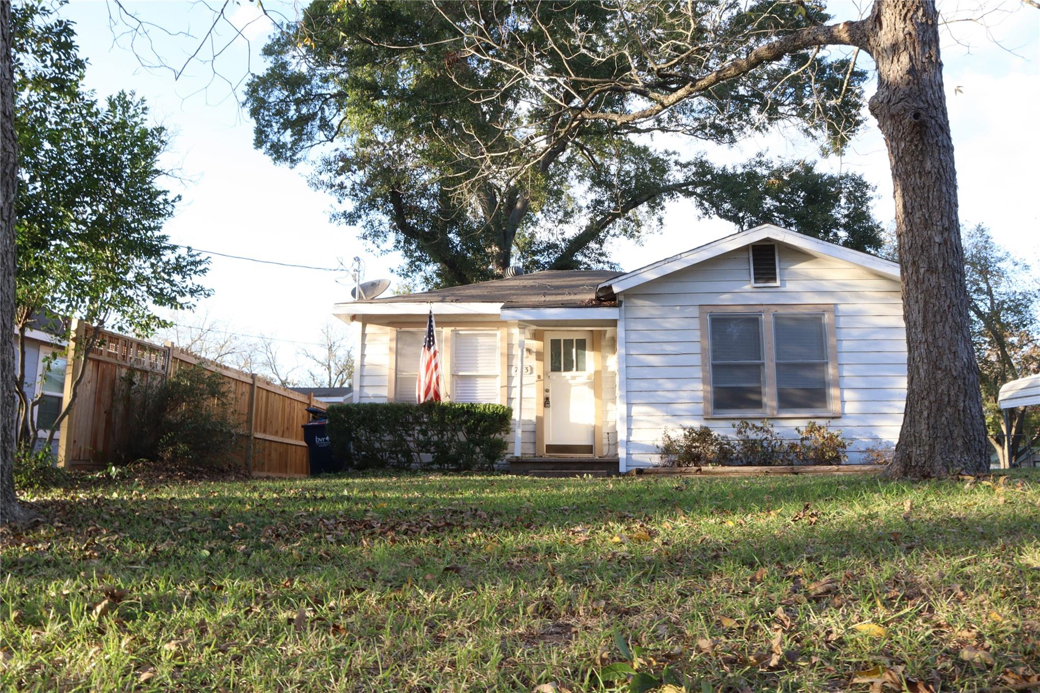 703 Pecan Street Property Photo