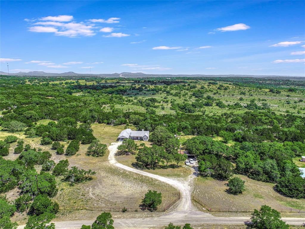 725 Lonesome Loop Property Photo - Blanco, TX real estate listing