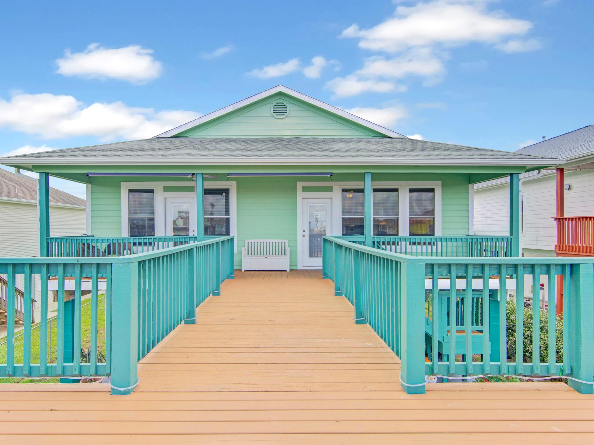 734 Marlin Street Property Photo - Bayou Vista, TX real estate listing