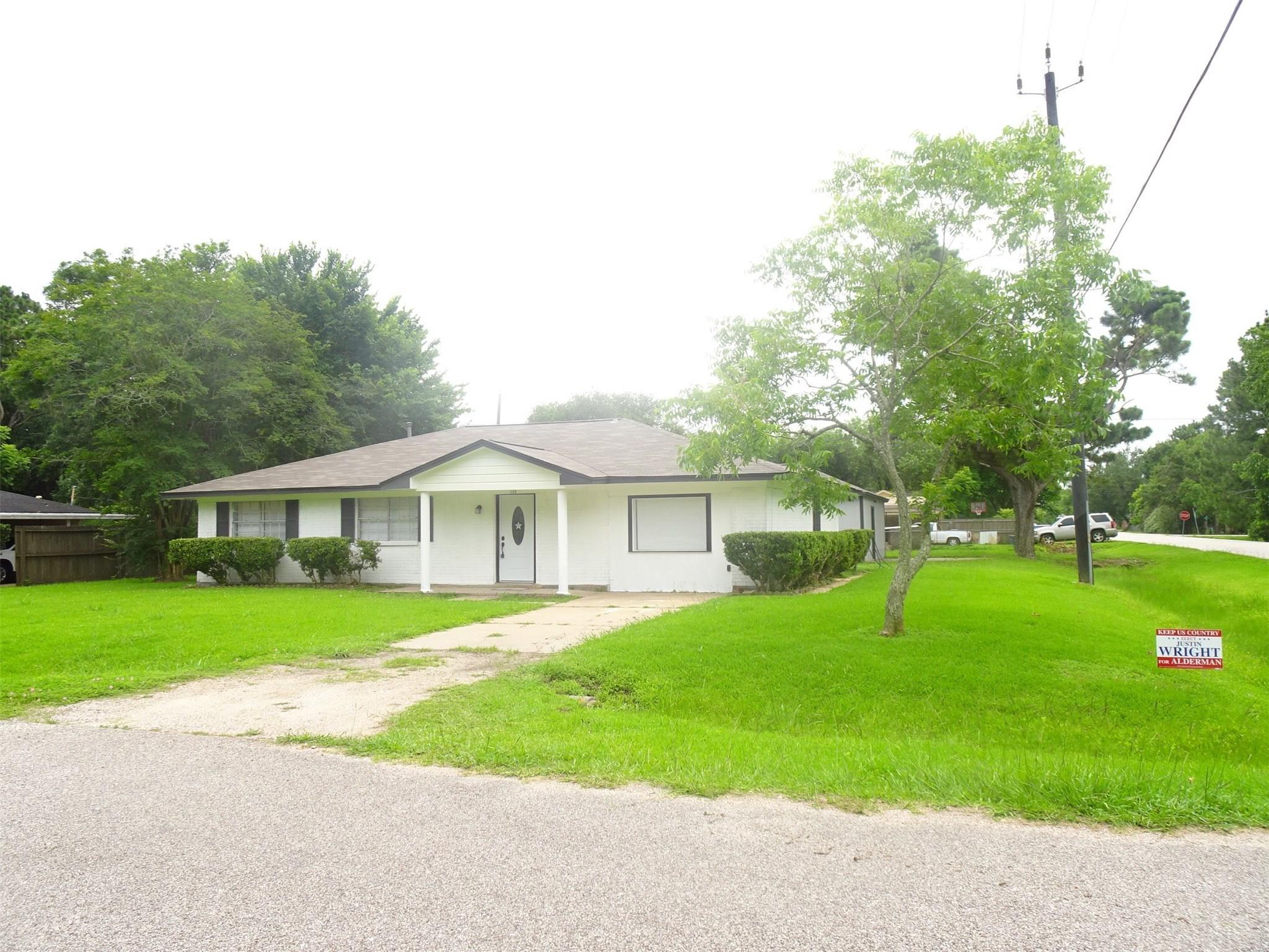 139 Nelson Street Property Photo - Jones Creek, TX real estate listing